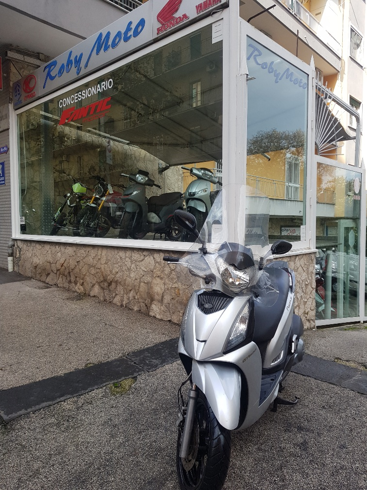 kymco people 300 gt 2010